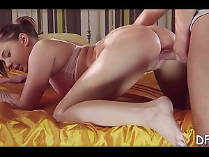 Young pair finds the best position be worthwhile for inserting large cock