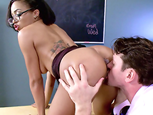 Teacher Anya Ivy getting her cunt eaten by her student's father