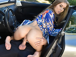 Foot fanatic guy enjoys every part of Lena Paul body